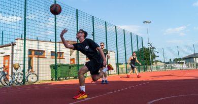 Środowy turniej siatkówki!